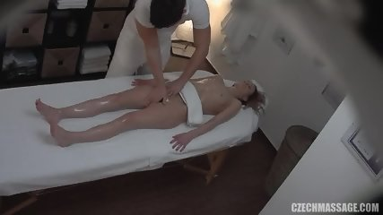 Horny Babe Went For A Full Body Oil Massage
