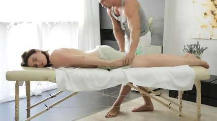 Girl Gets Her Tits Squeezed And Pussy Fucked In A Sex Massage